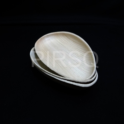 "Areca Oval Plate | 7.5"" x 5"" Image"